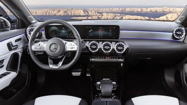 Mercedes-Benz Classe A 2018 interni