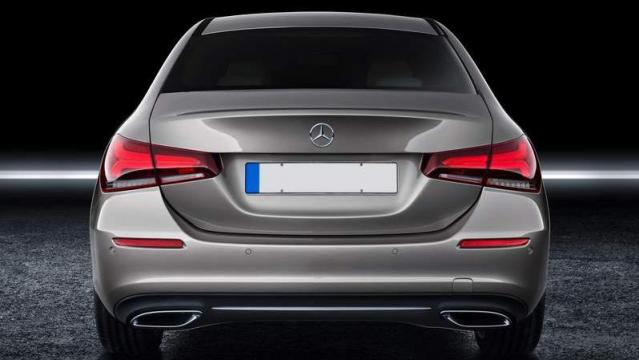 Mercedes-Benz Classe A tre volumi