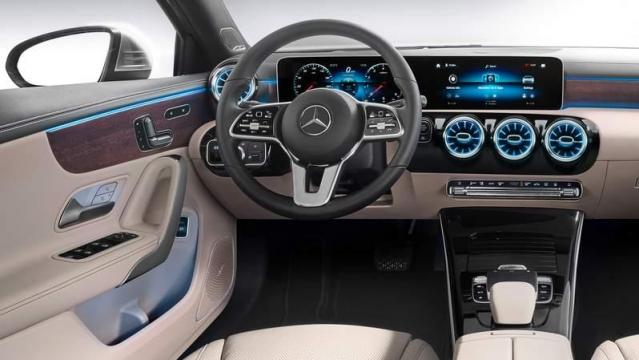 Mercedes-Benz Classe A Berlina interni