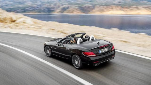 Mercedes-Benz SLC aperta