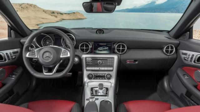 Mercedes-Benz SLC interni