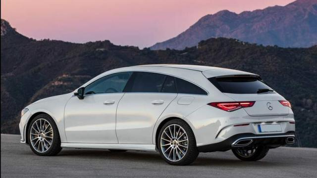 Mercedes-Benz CLA Shooting Brake foto profilo