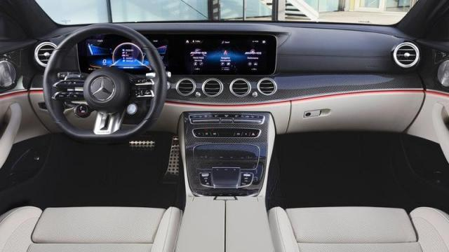 Mercedes-Benz Nuova Classe E Station Wagon interni