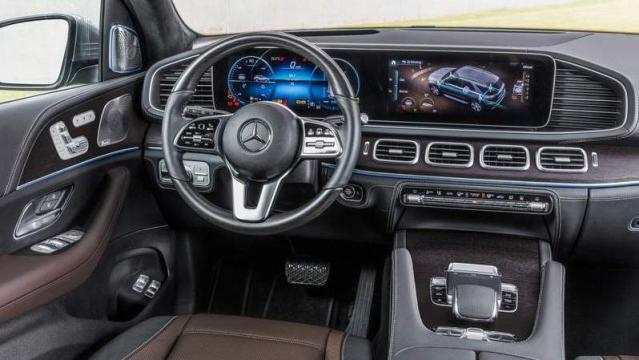 Mercedes-Benz GLE 2018 interni