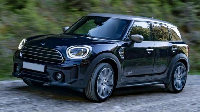 MINI Countryman tre quarti anteriore