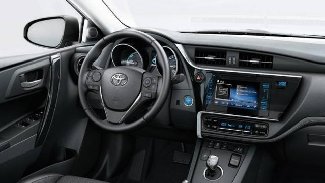Toyota auris hybrid listino prezzi 2018 consumi e dimensioni for Interior toyota auris 2018