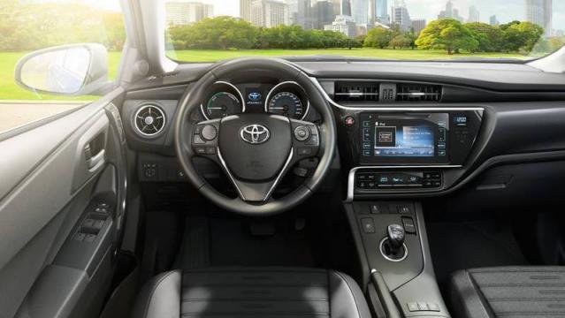 Toyota Auris 2016 >> Toyota Auris Hybrid: listino prezzi 2019, consumi e dimensioni - Patentati