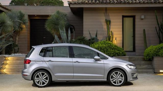 volkswagen golf sportsvan listino prezzi 2018 consumi e dimensioni. Black Bedroom Furniture Sets. Home Design Ideas