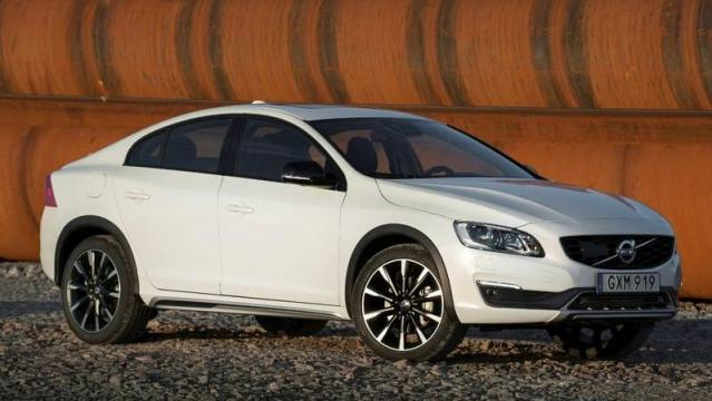 Volvo S60 Cross Country 9