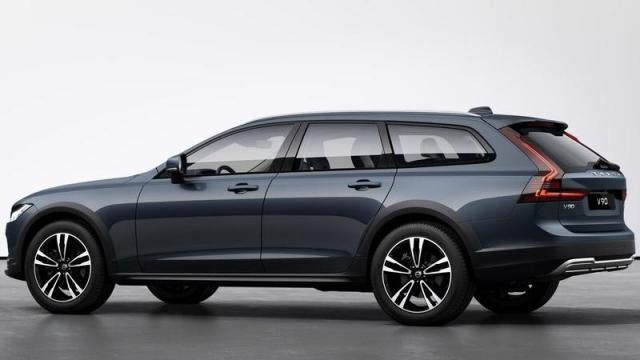 Volvo Nuova V90 Cross Country tre quarti posteriore