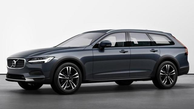 Volvo Nuova V90 Cross Country tre quarti anteriore